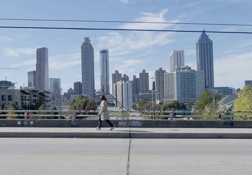Larry à la recherche d'Outkast dans les rues d'Atlanta